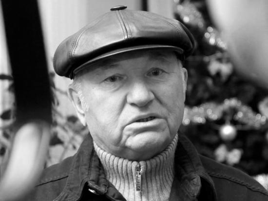 Песков: доверие к Лужкову восстановилось после его отставки