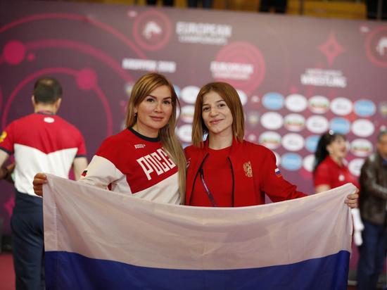 Дагестанка стала призером чемпионата Европы по женской борьбе