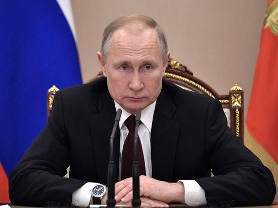 Путин помиловал троих россиян