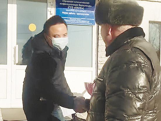 """Российский ученый """"расшифровал"""" лечение коронавируса сывороткой крови"""