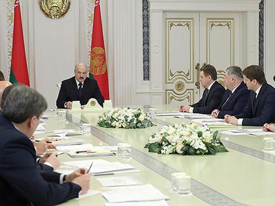 Лукашенко пригрозил отбирать российскую нефть  без спроса Москвы