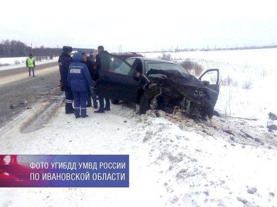 В Ивановской области водитель иномарки, спровоцировавший тройное ДТП, скрылся с места происшествия