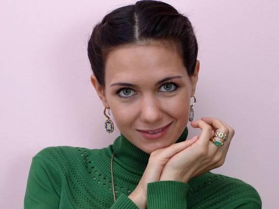 Екатерина Климова снялась с задравшейся юбкой в стиле Мэрилин Монро