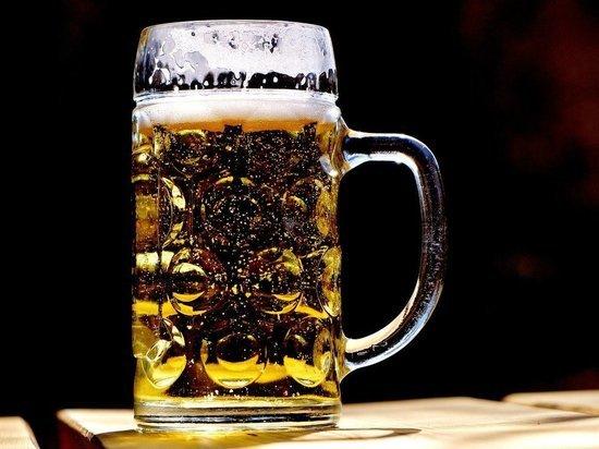 Хирург заявил, что пиво и коктейли приводят к циррозу печени