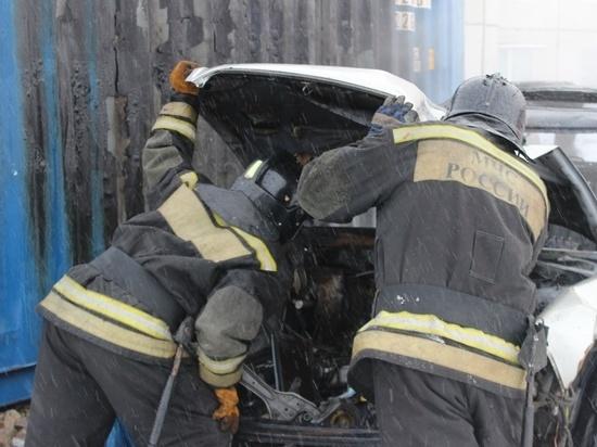 Автомобиль Daihatsu Terios сгорел на Колыме: причина выясняется
