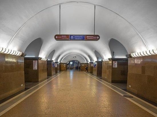 На станции «Площадь Ленина» скончался пассажир