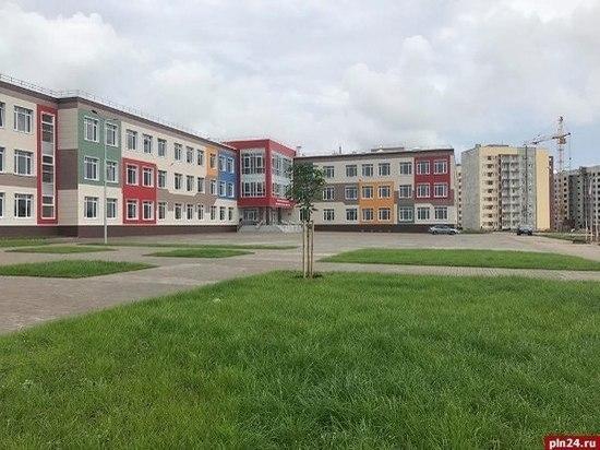 Престижная гимназия Пскова снова не может вместить всех желающих