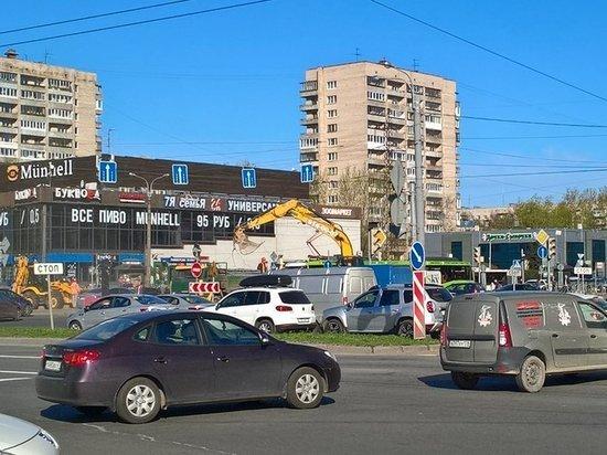Кинотеатр «Слава» в Купчино окончательно приговорен к сносу