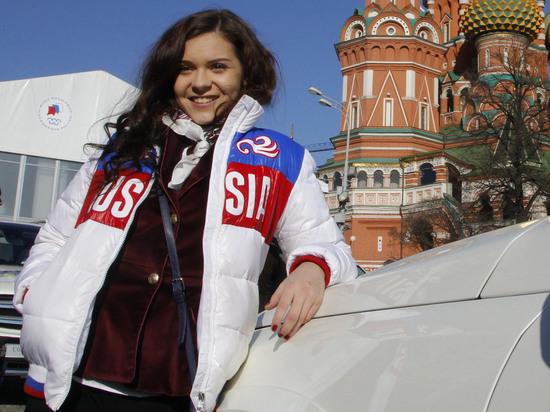 Олимпийская чемпионка Аделина Сотникова попала в больницу