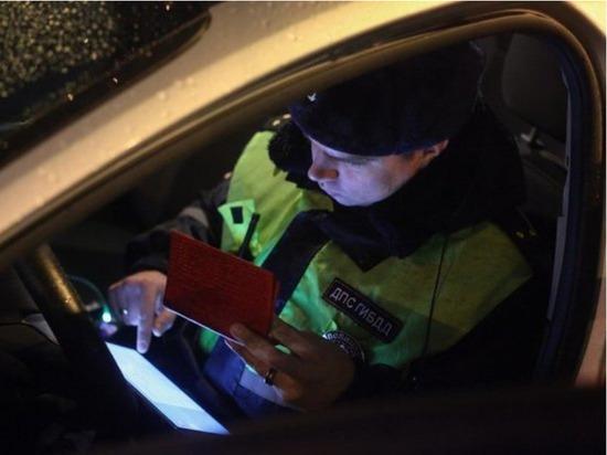 ГИБДД и приставы начали арестовывать машины должников на дорогах