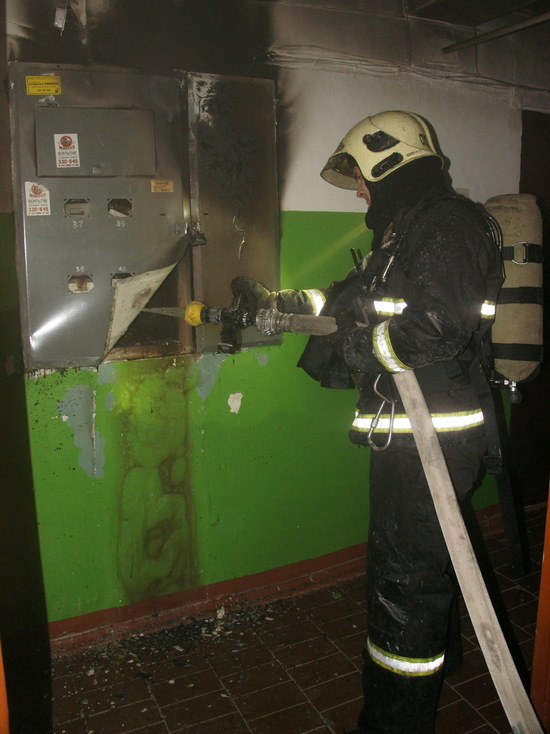 В Йошкар-Оле жильцов многоэтажного дома эвакуировали из-за пожара