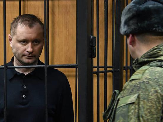 Выпускник тверского военного училища набрал взятками миллионы рублей