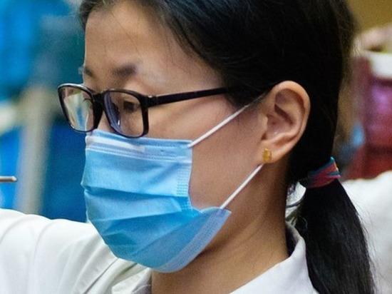 Китай призвал бороться с теориями заговора о коронавирусе