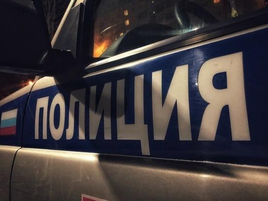 Мужчина украл драгоценности и деньги в Тверской области