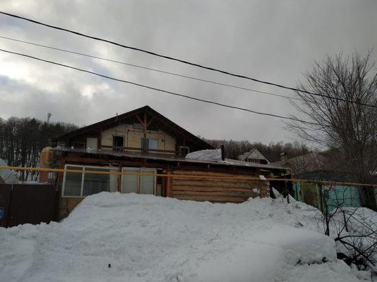 В Уфе погиб пенсионер, оказавшийся погребенным под пластом снега