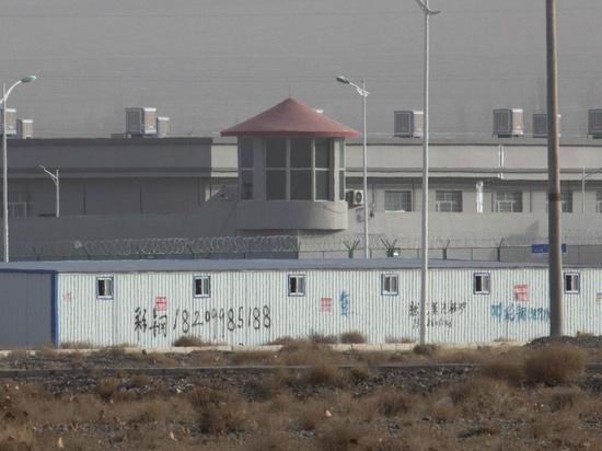 Власти не понимают, что делать с таким количеством нуждающихся в охране заключенных