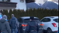 Полиция обыскивает машину биатлониста Александра Логинова