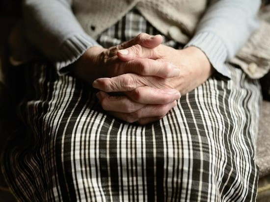 На Украине старушка ожила через 10 часов после смерти - МК