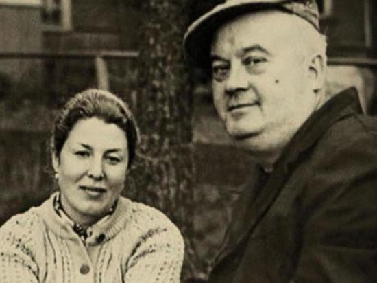 Как Евгению Моргунову удалось сохранить высокие отношения с 2 жёнами