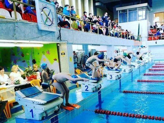 Серпуховские пловцы-подводники завоевали 35 медалей на областном турнире
