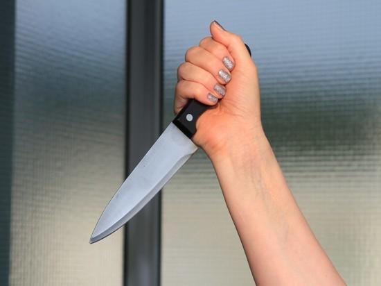 Пьяная читинка порезала ножом подростка во дворе своего дома