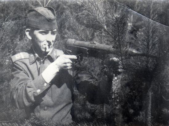 Чем кормили и как платили советским солдатам в ГДР