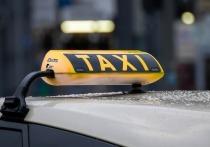 Ночью в Петербурге избили и ограбили таксиста