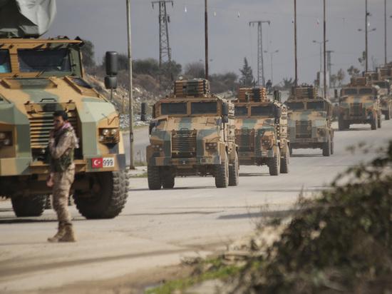 При авиаударе в Идлибе погибли 13 турецких военных