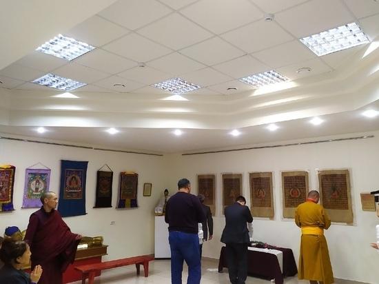 В калмыцком музее представили старинные буддийские реликвии