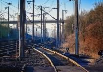 Пассажирский поезд на Москву протаранил легковушку в Северной Осетии