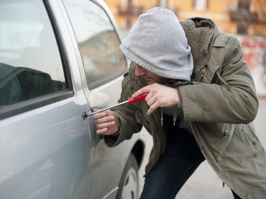 В Иванове вновь небезопасно оставлять машины без присмотра – воры активизировались