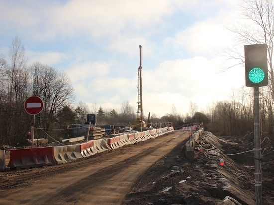 В Псковском районе капитально ремонтируют мост