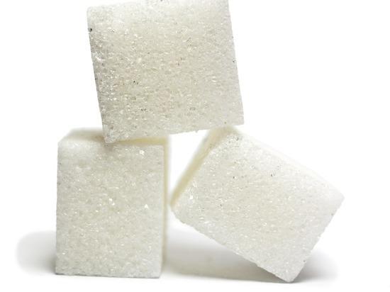 Аналитик объяснил закрытие крупных бакалейных заводов: запасаться ли сахаром