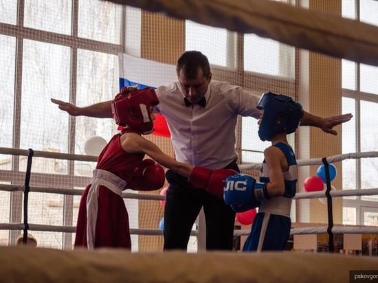 Псковичи одержали победу в региональном турнире по боксу