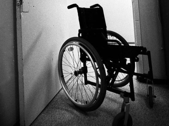 Жителя Подмосковья, который выронил мать-инвалида из коляски, приговорили за убийство