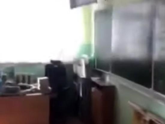 Причина нападения школьника с ножом на учительницу математики оказалась банальной