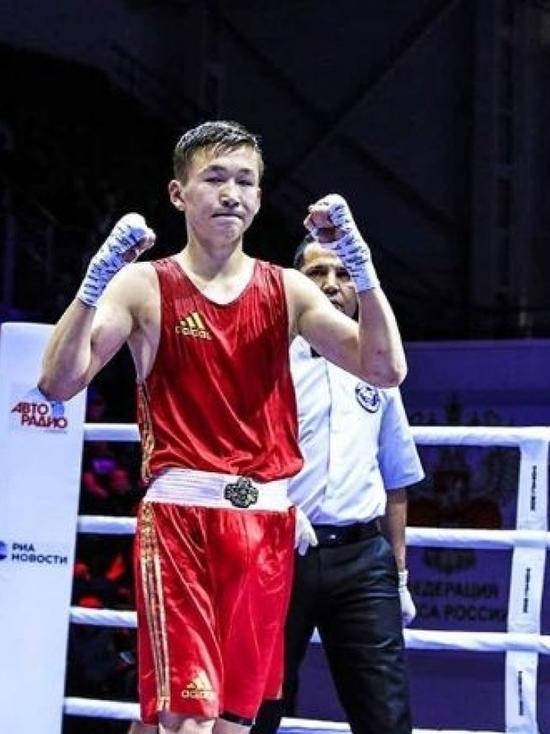 Калмыцкий боксер завоевал золото на соревнованиях в Казани