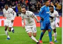 Вряд ли в «Юве» рассчитывали на легкую прогулку в Лионе, отправляясь в гости к местному клубу на 1/8 финала Лиги чемпионов. Но в Турине точно никак не думали о поражении. В итоге оно и случилось – 1:0 в пользу некогда лучшего клуба Франции.