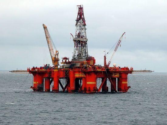 Поставки российской нефти в CША и Великобританию увеличились вдвое