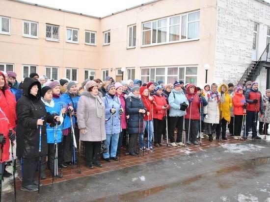 В Рязани провели мастер-класс по «северной ходьбе» для пенсионеров