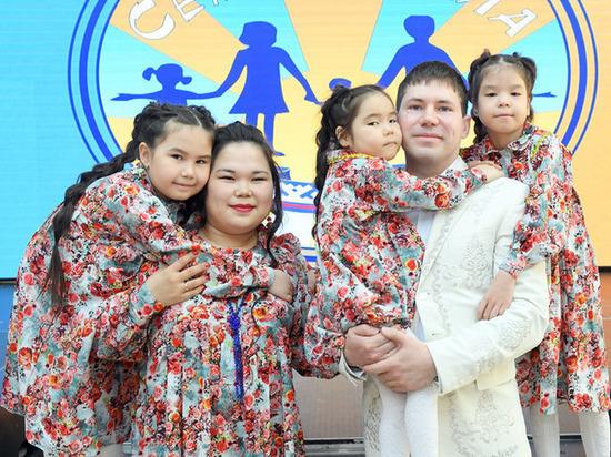 Глава ямальской «Семьи Арктики» оценила поправки в Конституцию о бережном отношении к детям