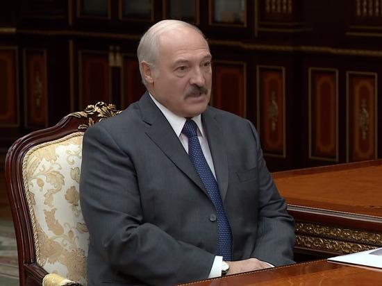 """Лукашенко заявил о """"понуждении"""" Белоруссии к интеграции с РФ"""