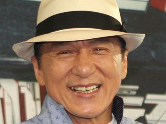 СМИ облетел слух о коронавирусе у Джеки Чана