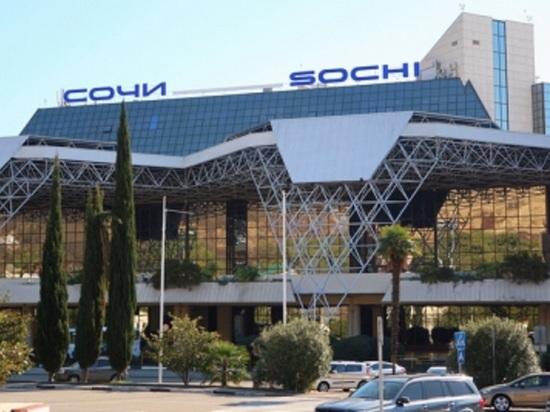Пассажира рейса «Сочи-Санкт-Петербург» сняли с рейса из-за алкогольного опьянения
