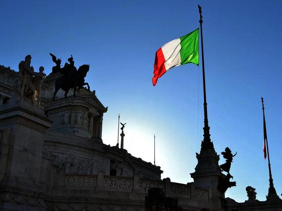 Число жертв коронавируса в Италии достигло 17
