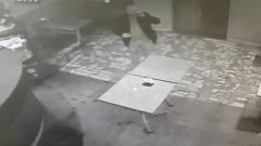 В Кирове неизвестный избил посетительницу бара