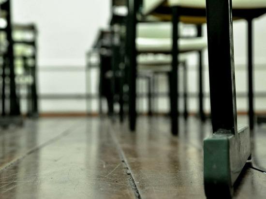 В Москве школьница упала замертво во время урока