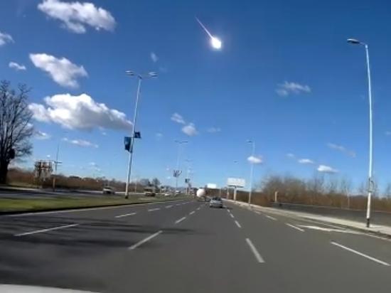 Очевидец снял взрыв метеорита в небе над Хорватией
