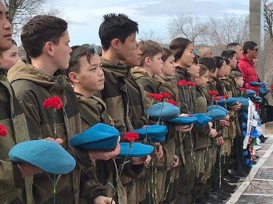 В Калмыкии почтили память псковской дивизии