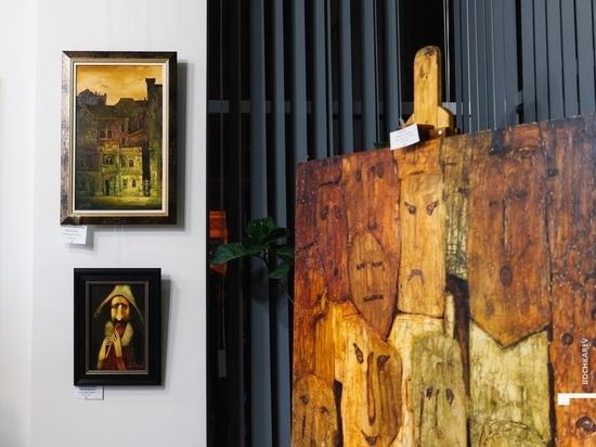 В клубе-галерее «Небо&Сова» открылась выставка «В сетях искусства»